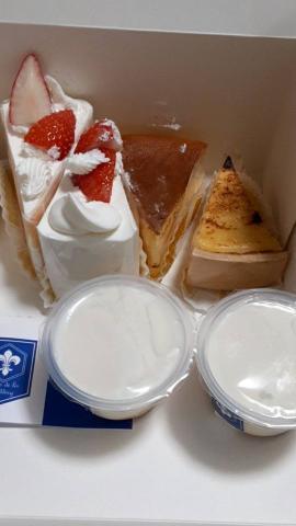 ケーキとプリン(*´∀`)♪